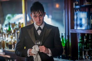 "GOTHAM: Oswald Cobblepot (Robin Lord Taylor) observes Maroni's business dealings in the ""Viper"" episode of GOTHAM airing Monday, Oct. 20 (8:00-9:00 PM ET/PT) on FOX. ©2014 Fox Broadcasting Co. Cr: Jessica Miglio/FOX"