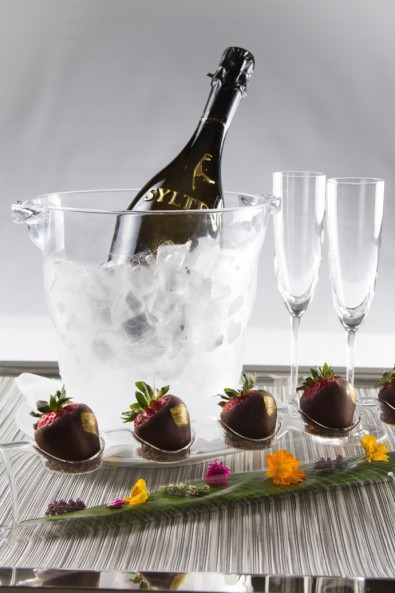 Valentine's Day Gift Guie - Syltbar Prosecco & Strawberries